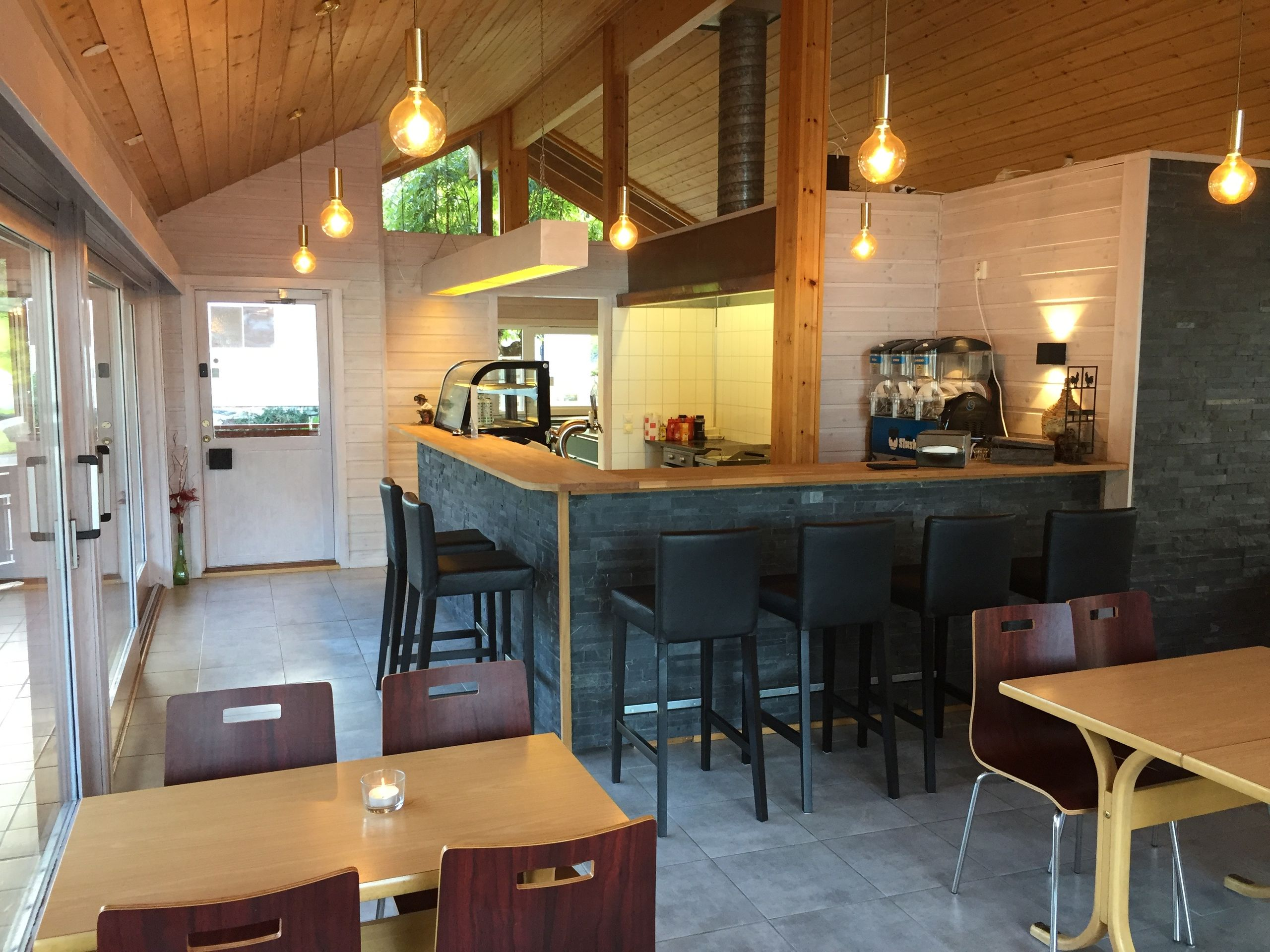 Kafe und Laden | Kyrping Camping